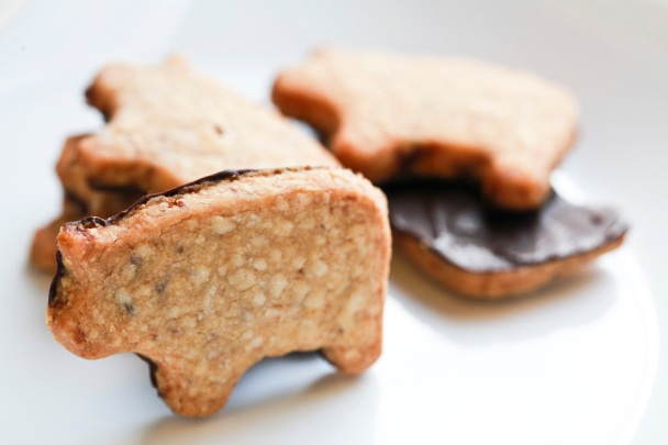 Chocolate Dipped Bacon Shortbread 1 - 900