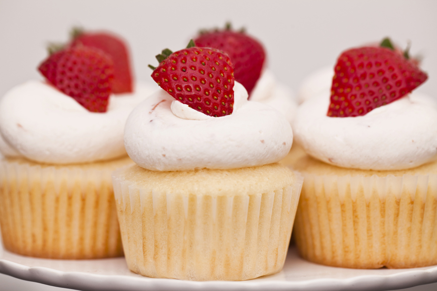 Strawberries And Cream Cupcakes Strawberries And Cream Cupcake