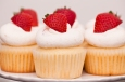 strawberries and cream cupcake 1 - 900