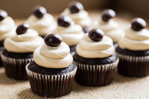 Tasty Pursuits Smoked Sumatra Coffee Cupcakes 1 - 500